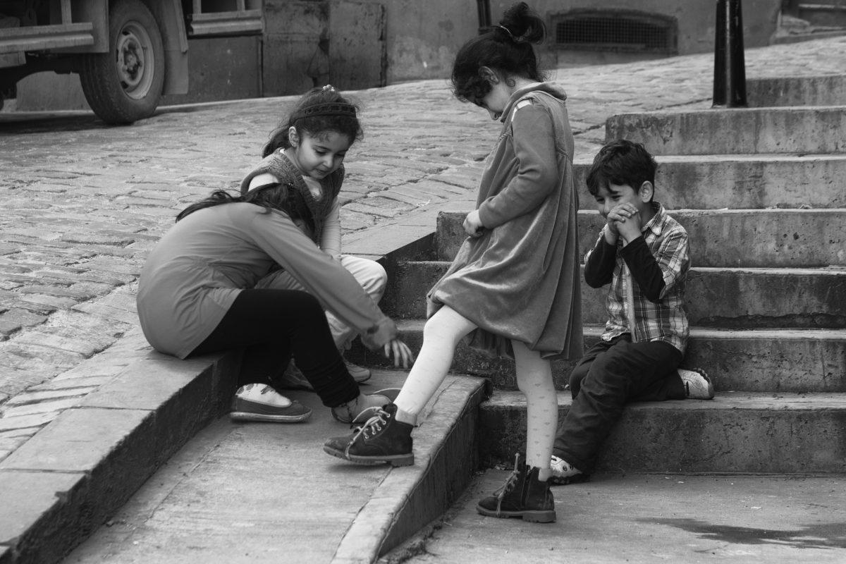 Playing Children, Taksim